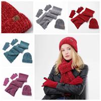 Autunno caldo e l'inverno all'aperto Berretti Cappello Sci Sport antivento Cap Knited cappello sciarpa di tocco dello schermo guanti vestito Three-piece regalo ZZA914