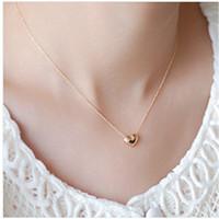تصميم جديد بسيط الأزياء والمجوهرات النساء الملحقات قصيرة أنيقة جميلة الذهب شكل قلب قلادة قلادة فتاة هدية t118