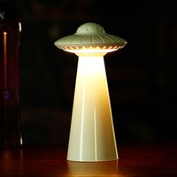 Protection des yeux Creative UFO Lampe de table de chargement USB LED Night Light Chambre lampe de chevet Enfants Apprentissage liseuse RW104