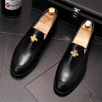 Brytyjski Dżentelmen Hafty Pszczoły Płaskie Buty Dla Mężczyzn Oxford Męska Suknia Ślubna Prom Homecoming Buty Zapatos de Novio