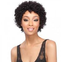 Купить эту короткую курчавую прическу изогнутый вьющийся парик Бразильские волосы Африканский Америк. Моделирование человеческих волос изогнутый вьющийся парик в наличии