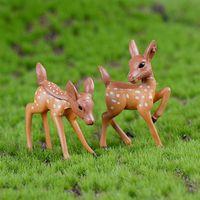 2pcs / Lot XBJ192 Mini artificiale cervo Sika giraffa Fairy Garden miniature Gnomi Moss terrario Mestieri Figurine decorazione domestica