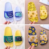 Summers diseñador de zapatos de las muchachas Los niños zapatillas antideslizante de PVC chanclas Niños Negro de dibujos animados Rosa Azul Amarillo Rojo Verde Mujeres Hombres sandalias Nuevo