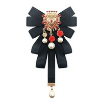 Fashion New Vintage Court Fabric Pearl Bow Brooch Tie RetroWalking Show Collar Bowknot Pins and Brooches for Women Accessories