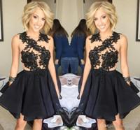 2020 Vestidos de Homecoming Black Back Encaje Applique Duración de la rodilla Vestidos de Prom Tripulación Sin mangas Vestidos de fiesta formales cortos