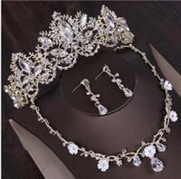 Sposa's Crown Headwear Accessori da sposa Accessori da sposa in tre pezzi Orecchini in oro coreano Set Set di designer di lusso Gioielli Donne Anelli 2019 Nuovo