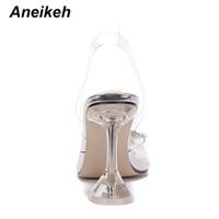Di vendita calda 2020 scarpe estive donne sandali Roma PVC trasparente Perle di vetro libera Strano Style Thin Tacchi alti Slip-On punta aperta