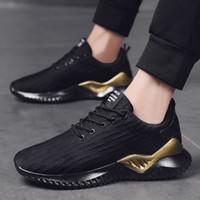 Nouveaux Mode Hommes Chaussures de course Triple Noir Blanc Or Jogging Marche entraîneurs des hommes Chaussures de sport Chaussures de sport 39-44 Fabriqué en Chine