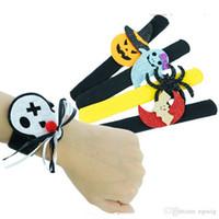 Halloween Slap Clap Bracelet Parti Décoration Chauve-souris citrouille Fantôme Forme Série Clap Pat peluche Cercle main Jouet Bangle pour les enfants