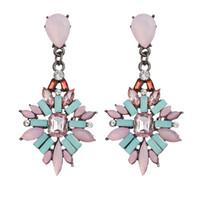 La decorazione dell'orecchio in stile caldo oltre confine tra Europa e Stati Uniti ha esagerato con i produttori di orecchini in lega di diamanti di grande nome all'estero