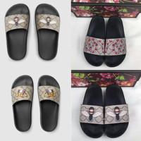 2020 Nueva Europ diapositivas verano plano ancho resbaladizo con densamente las sandalias del deslizador Hombres Mujeres Zapatos de lujo de diseño Chanclas Zapatilla Tamaño 36-45