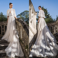 Neue Sexy V-Ausschnitt Eine Linie Brautkleider Mit Wraps Spitze Appliques Backless Brautkleider Sweep Zug Tüll Puffy Tiered Wedding Dress