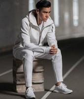 جديد هودي الرجال الدعاوى الرياضية أسود أبيض رياضية مقنعين سترة الرجال / المرأة سترة واقية سستة رياضية أزياء زن هودي سترة + بانت