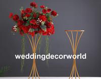 Nouveau mental stand onlygold centres de table de mariage kits de centre de table de plume d'autruche pour les décorations de fête événement FOB référence