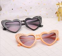 Kinder Sonnenbrille Mädchen lieben Herzform UV 400 Sonnenbrille glänzende Kinder Inlay Strass Fotografie Requisiten Kid Beach Sunblock YA0161