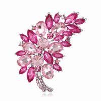Büyük Boy Tam Kristal Aksesuarları Küçük Çiçek Küme Yaprak Mor Broşlar Kadınlar Için Düğün Buketleri Altın Renk Broş Takı
