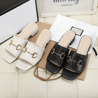 Summer de la nueva zapatillas de playa de las mujeres diseñador de moda Lazy tacón bajo fracasos de lujo de cuero Señora de la historieta zapatillas metal deslizadores de señoras del tamaño 35-42