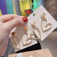 Корея Стиль Простые Cute Girl Silver Pin Имитация Pearl Crooked сердца Сладкий падение серьги для женщин Бижутерия Аксессуары