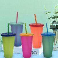 24 uncji z tworzywa sztucznego Wymiana kubki PP Materiał Temperatury Cups Magic Cup z pokrywką i słomy picia kubkiem