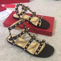 Moda Donne Rivetti piatto Pantofole sandali infradito ragazze costellato Scarpe estive più fresche Beach diapositive Jelly Shoes 34-42