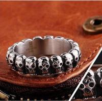 Retro- Punkschädel-Ring-Legierung Ring Titan Stahl Schmuck Hersteller Schädel-Finger-Ring Top-Qualität Weihnachten Halloween-Geschenk