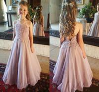 Dusty rosa delle ragazze di fiore abiti Spagehetti cinghie pizzo applique 2020 Organza Backless Piano Lunghezza Una linea bambina di compleanno abito del partito