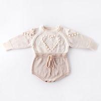 Vêtements de bébé tricotées Coeur bébé Romper Pompon Infant Girls Pull Designer du nouveau-né Jumpsuit Automne Hiver Vêtements bébé DW4652