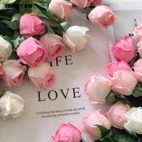 20pcs / lot! gros toucher réel senti fleurs artificielle boutons de rose latex latex rose mariage fleurs décoratives faux roses