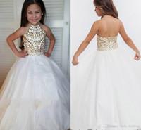 2019 Lindo Halter Girl Pageant Dress Princess Sin mangas CRISTALES CRISTALES Partido Magdalena Joven Bonito Pequeño Niños Queen Flores Vestido