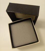 7 * 7 * 4CM مربع أسود التعبئة والتغليف علب المجوهرات الإسفنج مجوهرات صندوق تخزين السماء وغطاء الأرض علبة هدية عالية الجودة مجوهرات صندوق 6PCS / LOT SamCC