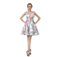 2019 drucken blume stoff kurze mini prom kleider kurzes abendkleid tiefem v-ausschnitt homecoming dress b056