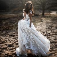 2019 A Linha De Vestidos De Noiva Bohemian V Neck Cap Manga Apliques 3D Flor Do País Vestidos De Casamento Puffy Saia Tulle Party Dress for Bridal