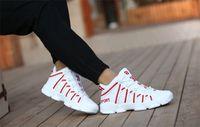 뜨거운 판매 저렴한 2018 새로운 높은 농구 신발 커플 모델은 운동화 야외 미끄럼 방지는 남학생 통기성 스포츠 신발을 증가