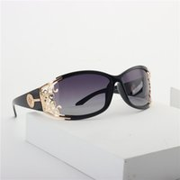 New Cat óculos polarizados Mulheres personalidade colorida 2020 Moda Gradiente Sunglasses Men Ladies Eyewear UV400 com caixa NX T200511