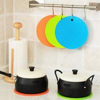 1pc silicone résistant à la chaleur Table Mat Pan Pot Porte-gobelet Bowl Plat Pad Reste cool outil de surface protecteurs de cuisine Outils
