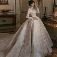 Elegantes Ballkleid Hochzeitskleider mit langen Ärmeln Strass Pailletten Applikationen Satin Braut-Kleid-hohen Kragen Sweep Zug Vestidos De Novia