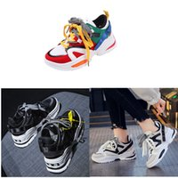 Hot !! 2019 Fashion Paris 17FW Sneaker Triple-S Triple S Chaussures papa simple de femme Chine TOP QUALITY Homme Sport Designer Shoe Taille 36-45