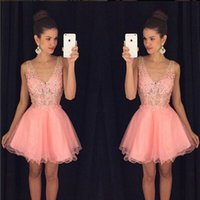Robe rose Short Homecoming Robes 2019 Jupe Puffy Cocktail Robes Dentelle Tulle Voir à travers l'arabe Mini Pal Robes Robe de graduation