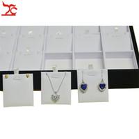 Trä smycken lådor och förpackning halsband hängehållare örhängen displayfack 24 infoga pad smycken tallrik i vit pu och svart sammet