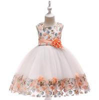 2-8 ans enfants robe nouvelle dentelle couture filles princesse robe dans la robe de soirée d'anniversaire des enfants