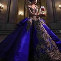 2020 Luksusowy szczegół złoty haft Royal Blue Quinceanera Suknie Suknia Balowa Słodki 16 Dress Off Ramię Masquerade Pageant Prom Suknia