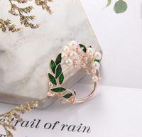 2020 Yüksek Kaliteli Fantezi Style Kadın Eşarp Pin Renk Bitki Yaprak Broş İnci Alaşım Broş bez aksesuarları toptan için