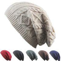 النساء تصميم جديد محبوك قبعات بيني تويست نمط الصلبة اللون النساء قبعة الشتاء محبوك سترة الأزياء قبعات ZZA876