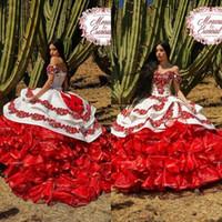 2020 Ruffled Çiçek Charro Gelinlik Off Omuz Kabarık Etek Dantel Nakış Prenses Sweety 16s Kız Masquerade Gelin Giydirme