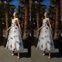 Fée une ligne robes de bal bustier coloré papillon appliques longueur de la cheville robes de soirée, plus la taille formelle robe de soirée robes de soirée