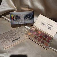 Güzellik Camlı Mükemmel Karışık Makyaj Paleti 18 Renk Yüksek pigmentli Glitter Nü Işıltılı Mat Göz Farı Paleti