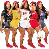 Les femmes Baseball costume 2 pièces short ensemble survêtement rayé Cardigan v-cou t-shirt à manches courtes au-dessus du genou shorts vêtements d'été, plus la taille 457