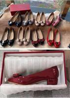 pruva kutu toz torbası 34-40 Kırmızı gelinlik ayakkabıları rahat daire womens ile Moda tasarımcısı Kadınlar Kızlar topuk daireler rugan pompa