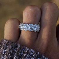 El nuevo cristal anillos de compromiso de la nieve Diseño caliente de la venta del anillo para las mujeres blancas circón cúbico elegante joyería de la boda Anillos Mujer