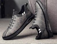 2019 nouvelles chaussures en cuir de marque chaussures de sport hommes personnalité de la mode coréenne chaussures simples